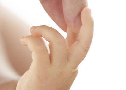 Bebeklerde El Parmağı Masajı